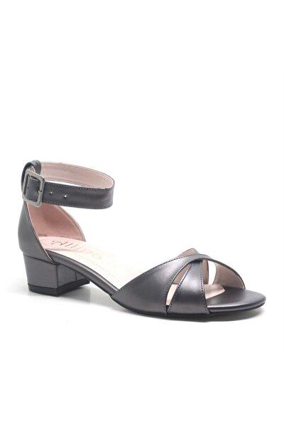 Füme Bilek Bantlı Alçak Topuk Kadın Ayakkabı