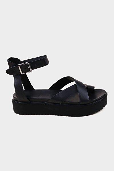Siyah Hakiki Deri Kadın Kalın Tabanlı Sandalet