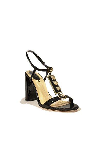 Ince Topuk Klasik Rugan Ayakkabı