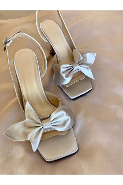 Kadın Bej Saten Fiyonklu Topuklu Ayakkabı