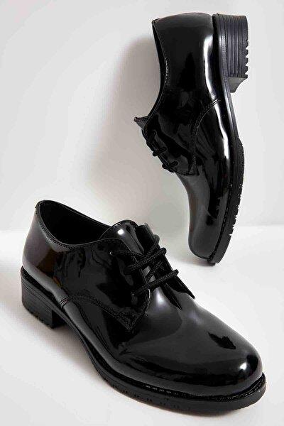 Siyah Rugan Kadın Oxford Ayakkabı M0626144298