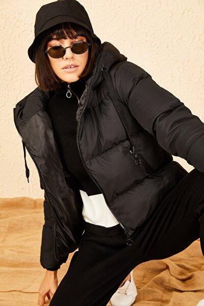 Kadın Siyah Kapüşonlu Şişme Mont 10141018