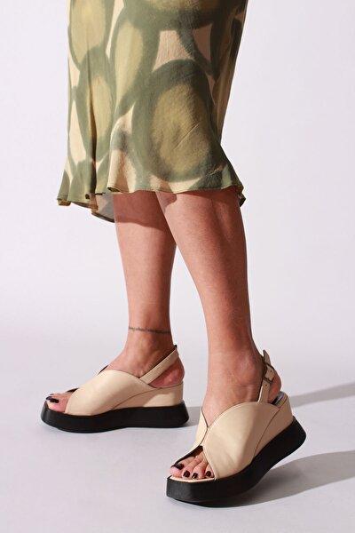 Kadın Bej Hakiki Deri Günlük Ayakkabı