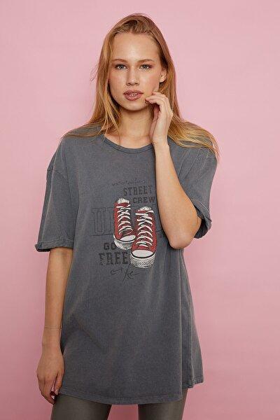 Ayakkabı Baskılı T-shirt