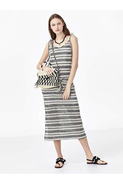 Cep Detaylı Örme Elbise