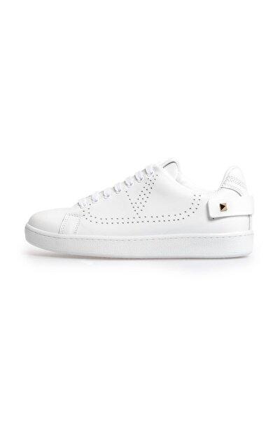 Beyaz Trok Detaylı Bağcıklı Sneakers