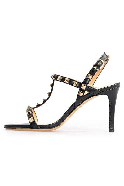Kadın Siyah Deri Trok Detaylı Topuklu Sandalet