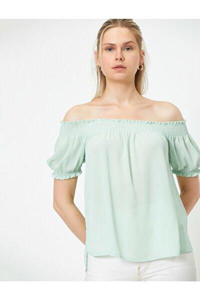 Kadın Omzu Açik Kisa Kollu Firfir Detayli Bluz