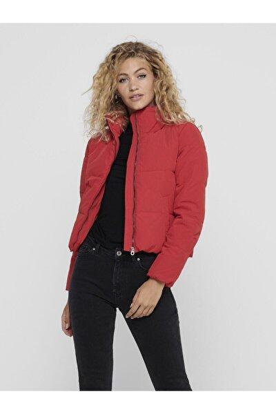 Kadın Kırmızı Dik Yaka Şişme Mont