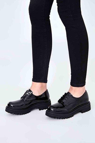 Siyah Rugan Kadın Oxford Ayakkabı M0538011898