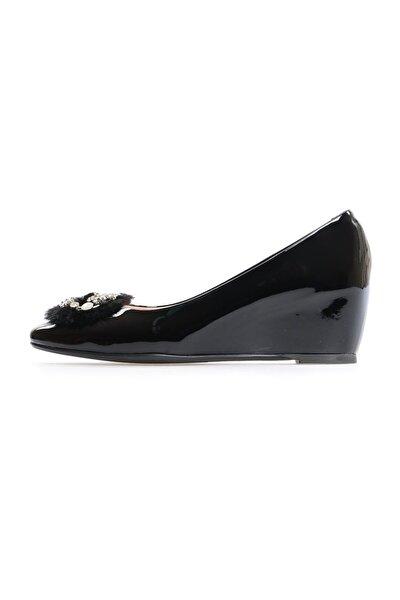 Siyah Rugan Toka Detaylı Günlük Ayakkabı