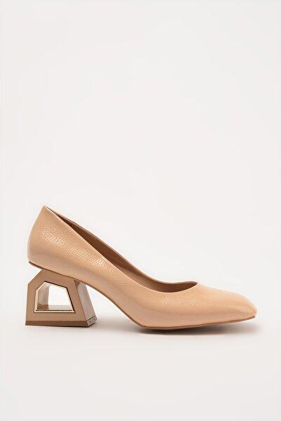 Naturel Kadın Klasik Topuklu Ayakkabı 01AYH214740A330