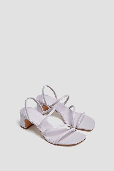Ince Bantlı Topuklu Sandalet