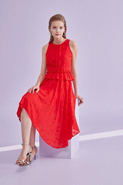 Elbise Sıfır Yaka, Bel Kesiti Büzgülü Volanlı, Etek Altı Asimetrik, Kolsuz Uzun