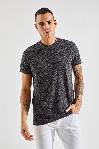 Erkek Nopeli V Yaka Siyah Nakışlı Tişört