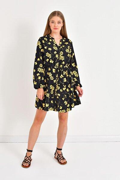Önü Düğmeli Eteği Fırfırlı Elbise