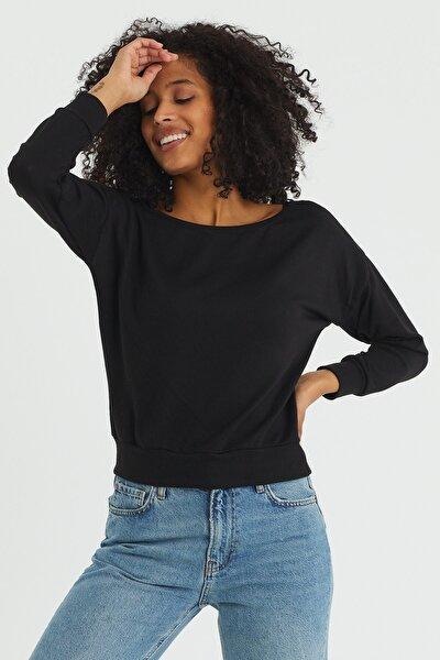 Kadın Siyah Kayık Yaka Bluz