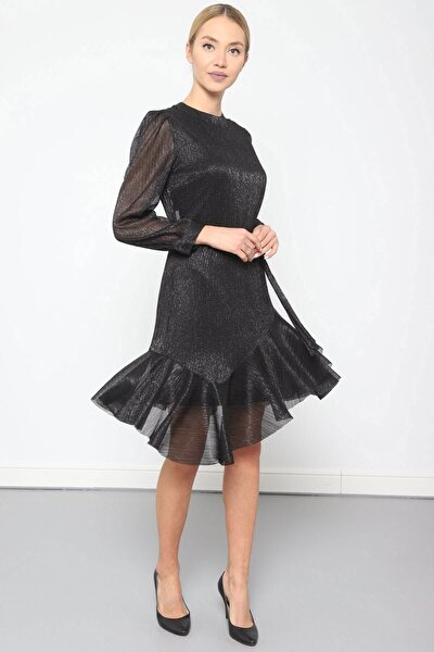Elbise Bilezik Yaka- Kol Üstü Pileli, Eteği Asimetrik Volanlı