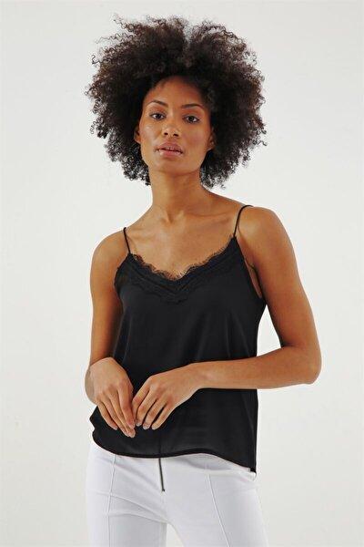 Kadın Siyah Queen Yakası Dantelli İp Askılı Bluz