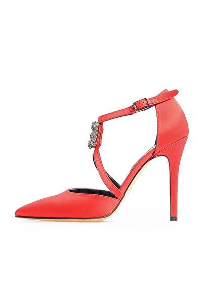 Kırmızı Ortadan Tokalı Abiye Ayakkabı