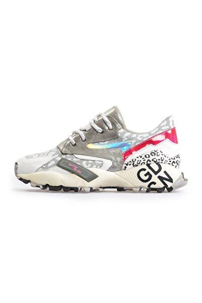 Beyaz Taban Detaylı Spor Ayakkabı