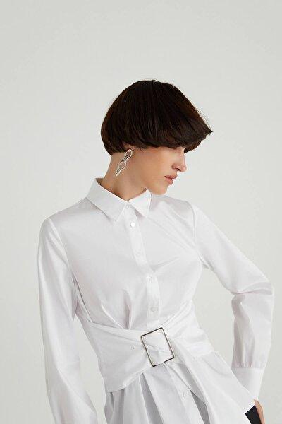 Metal Tokalı Poplin Beyaz Gömlek