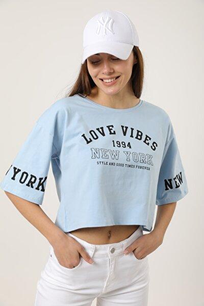 Kadın Mavi Baskılı Pamuklu Crop Salaş T-shirt
