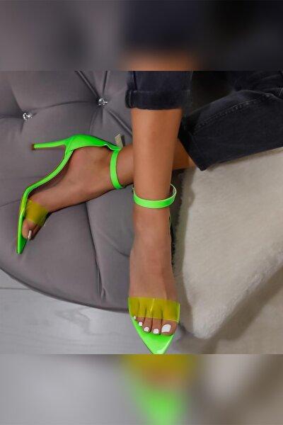 Kadın Yeşil Neon Rugan Şeffaf Bantlı Sivri Burunlu İnce Topuklu Ayakkabı