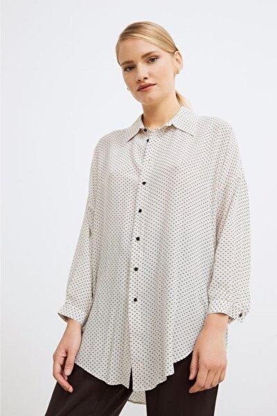 Kadın Desenli Bej Yandan Bağlamalı Desenli Bluz
