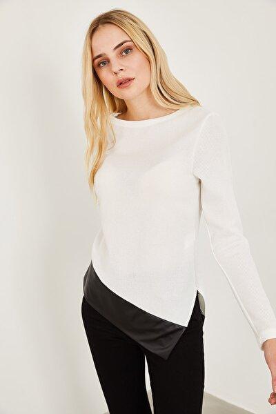Kadın Beyaz Deri Detaylı Bluz