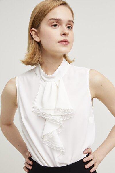 Kadın Kemik Yakası Volanlı Bluz