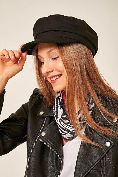 Kadın Siyah Kaşe Siperli Şapka 12848
