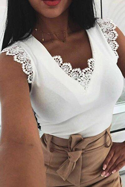 Kadın Beyaz Sırt Detaylı Ve Motifli Bluz