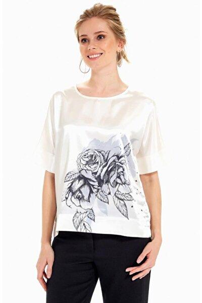 Kadın Kırık Beyaz Kısa Kol Önü Baskılı Metal Boncuklu Bluz 019-02-3029