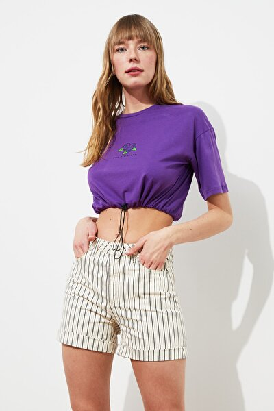 Mor Baskılı Büzgülü Crop Örme T-Shirt TWOSS21TS1400