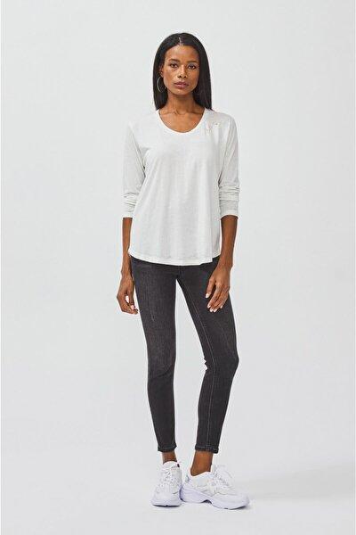 Kadın Beyaz Yakası Baskı Detaylı Uzun Kollu T-shirt