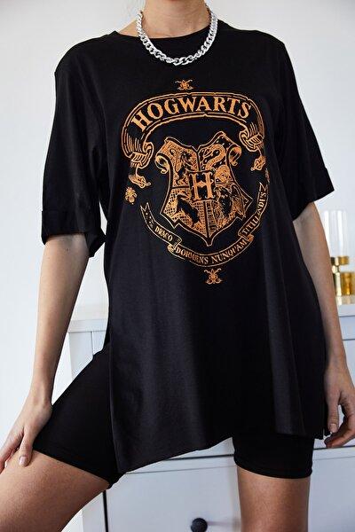 Kadın Siyah Baskılı Yırtmaçlı Boyfriend T-Shirt 1KZK1-11144-34
