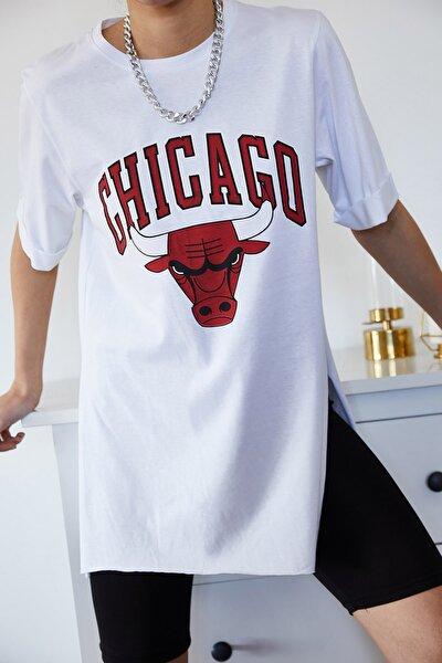 Kadın Beyaz Baskılı Yırtmaçlı Boyfriend T-Shirt 1KZK1-11149-01