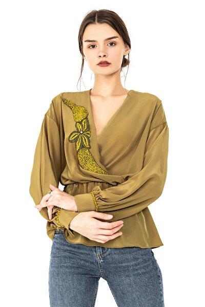 Kadın Yeşil Kruvaze Beli Lastikli Kol Düğmeli Manşetli Uzun Kollu Handmade Yaprak Işlemeli Bluz