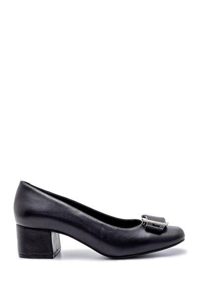 Kadın Toka Detaylı Kalın Topuklu Ayakkabı