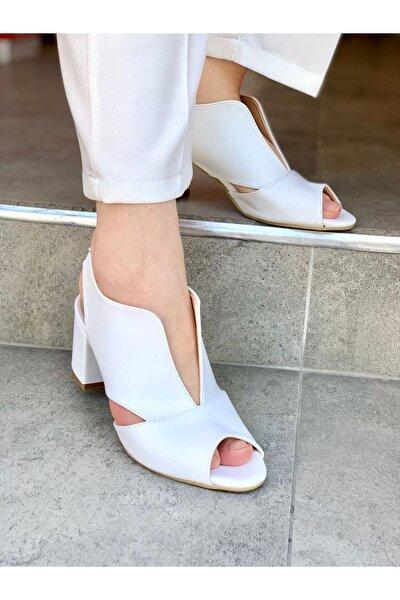 Arkası Lastikli Topuklu Ayakkabı-beyaz