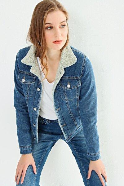 Kadın Beyaz Kürklü Mavi Kot Ceket 21w222