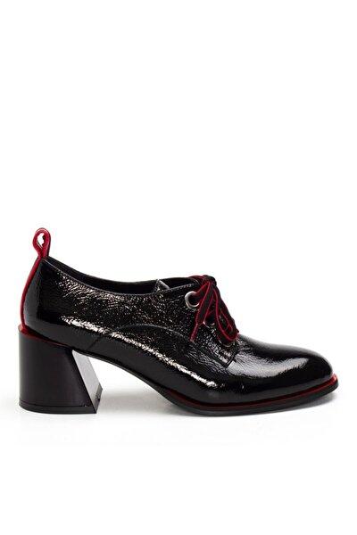 2175 Kadın Siyah Rugan Klasik Deri Ayakkabı