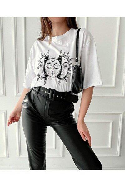 Ay Ve Güneş Baskılı Beyaz T-shirt Kadın