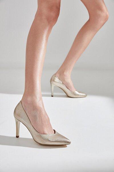 Gold Kadın  Klasik Topuklu Ayakkabı 01AYY177700A540