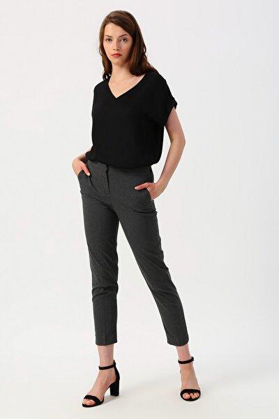 Kadın Gri Yüksek Bel Cep Detaylı Pantolon 9YAK42461UW