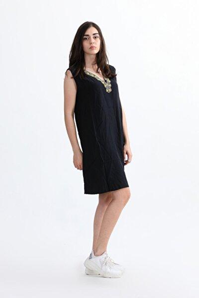 Kadın Siyah Önü Boncuklu Mini Elbise