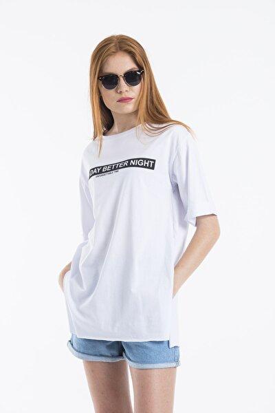 Kadın Beyaz Good Day Baskılı Oversize T-shirt