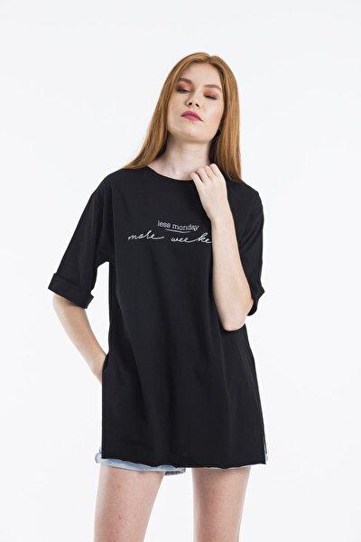 Kadın Siyah Less Monday Baskılı Oversize T-shirt