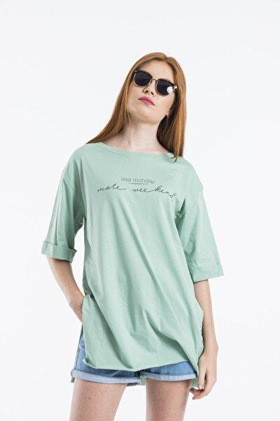 Kadın Yeşil Less Monday Baskılı Oversize T-shirt
